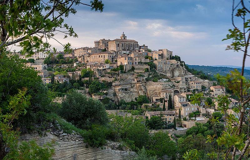 Escapada a la provenza pura inspiraci n eric v kel for Provence mobiliario