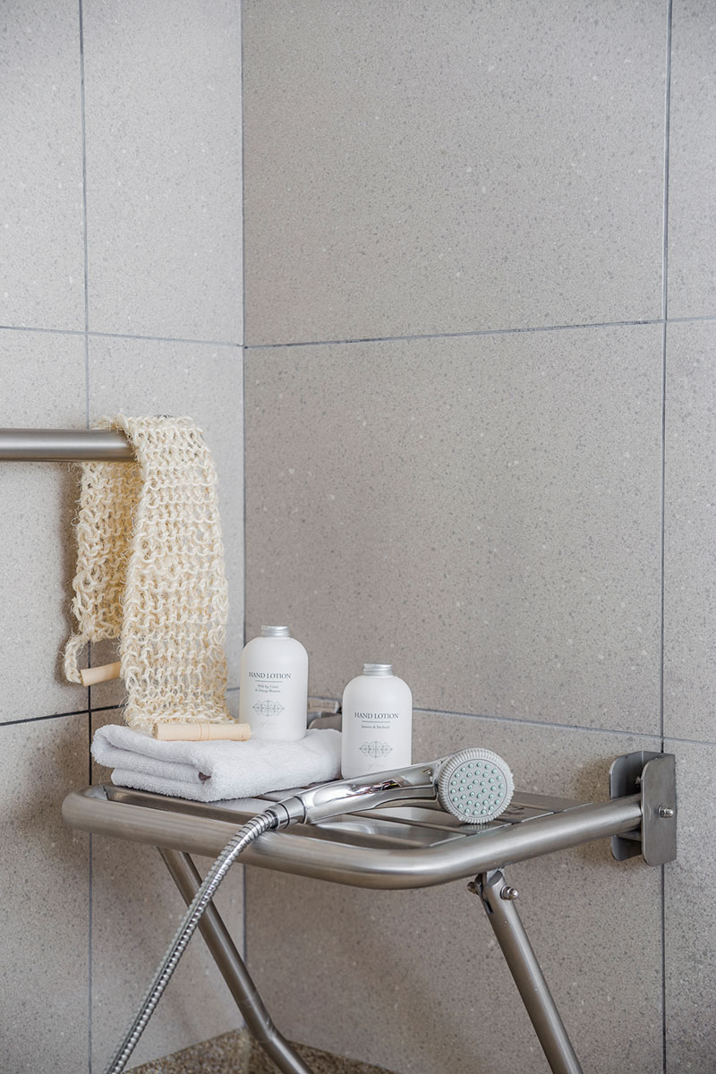 Eric-Vökel-Boutique-Apartments-Atocha-Accesible-detalle-baño