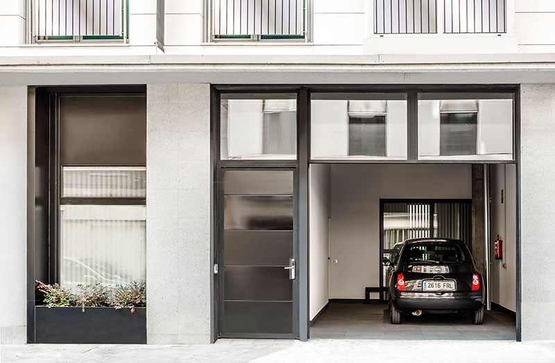 Eric-Vökel-Boutique-Apartments-Atocha-Accesible-parking
