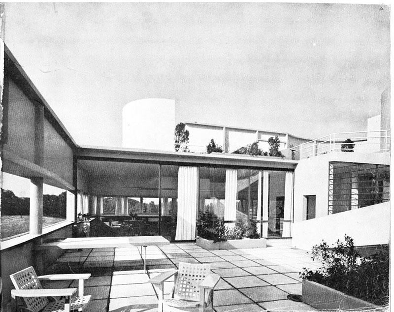 Le-Corbusier-Ville-Savoye