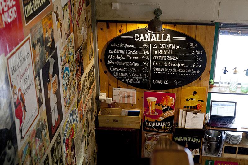 el-canalla-barcelona-escalera