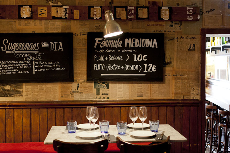 el-canalla-barcelona-mesas