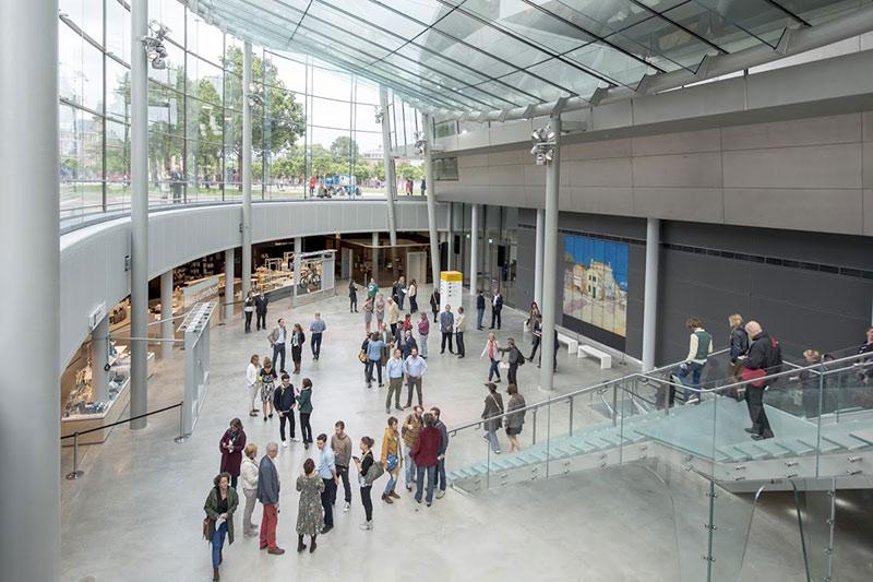 Museo-Van-Gogh-interior