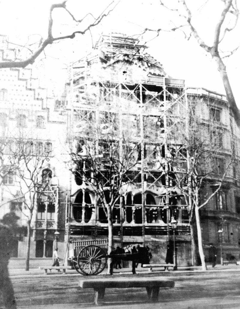 Casa-Batlló-1906