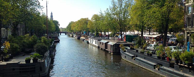 Houseboat-museum-Amsterdam