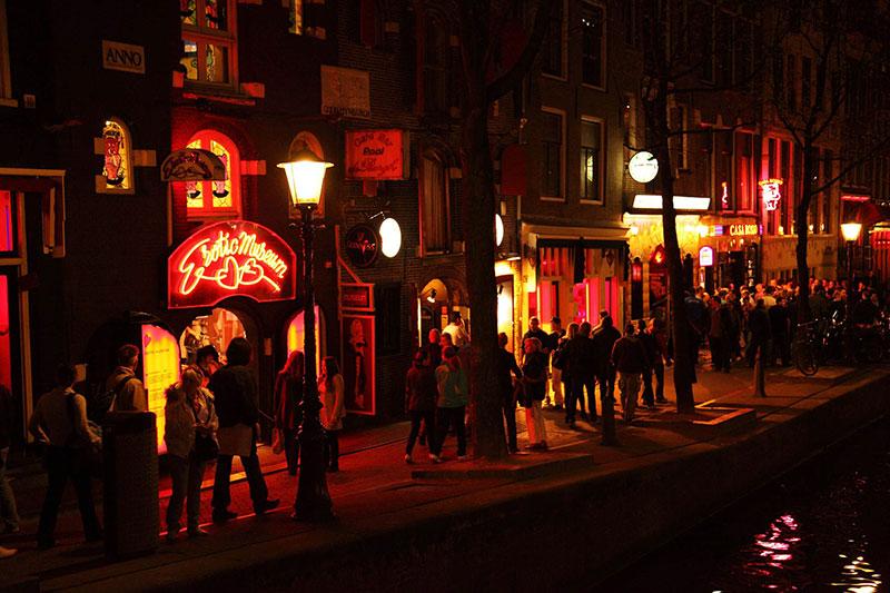 Barrio-Rojo-Visitar-Amsterdam-calle