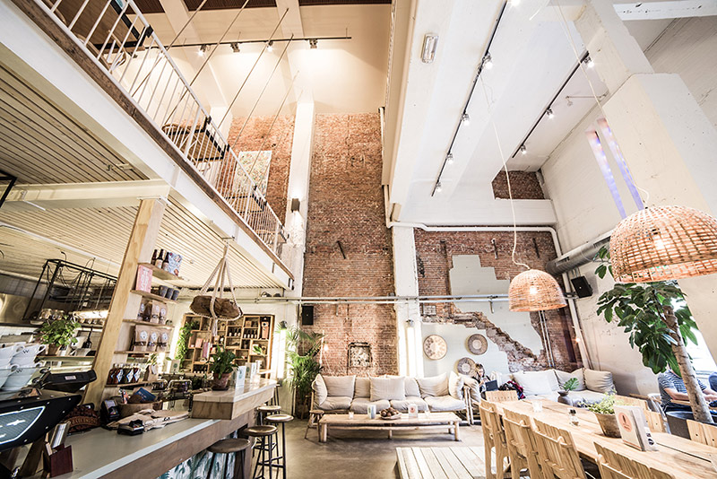 CT-Coffee-and-Coconuts-interior-Amsterdam
